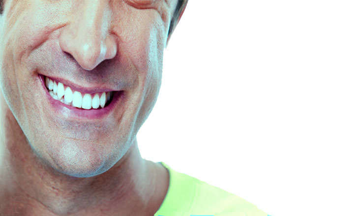 C mo blanquear los dientes amarillos y con manchas en casa - Como blanquear los dientes en casa ...