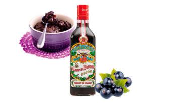 crema de cassis, fruta y licor