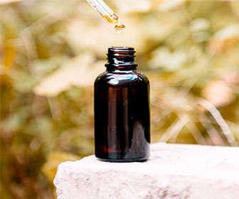 Cómo usar el aceite de jojoba para la cara y el pelo