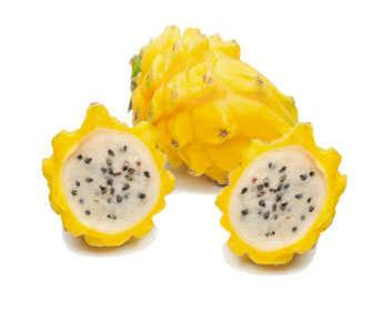 pitahaya amarilla con pulpa de color blanco